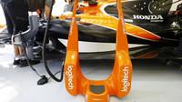 Příprava vozu McLaren MCL32 - Honda pro trénink v Bahrajnu