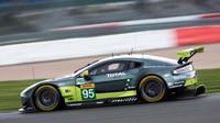 Vůz Aston Martin Vantage V8 GTE posádky Nicki Thiim, Marco Sorensen, Richie Stanaway