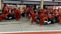 Sebastian Vettel a Kimi Räikkönen v kvalifikaci v Bahrajnu