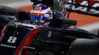 Romain Grosjean v kvalifikaci v Bahrajnu