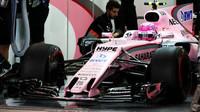 Esteban Ocon v kvalifikaci v Bahrajnu