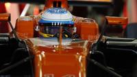 Fernando Alonso v kvalifikaci v Bahrajnu