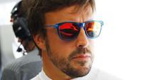 Fernando Alonso se pořád ještě drží zpátky