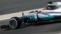 Lewis Hamilton při tréninku v Bahrajnu