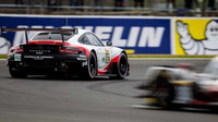 Tovární Porsche 911RSR posádky Michael Christensen, Kevin Estre