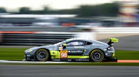 Aston Martin Vantage posádky Paul Dalla Lana, Pedro Lamy, Mathias Lauda