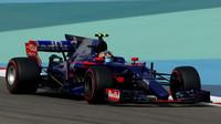 Carlos Sainz si odváží z Bahrajnu penalizaci