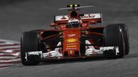 Kimi Räikkönen v závodě v Bahrajnu