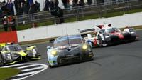 Porsche 911RSR týmu Dempsey-Proton Racing s posádkou Christian Ried, Marvin Diest, Matteo Cairoli