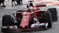 Antonio Giovinazzi při sezónních testech v Bahrajnu
