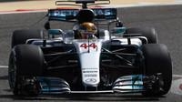 Lewis Hamilton při sezónních testech v Bahrajnu