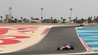 Esteban Ocon při sezónních testech v Bahrajnu