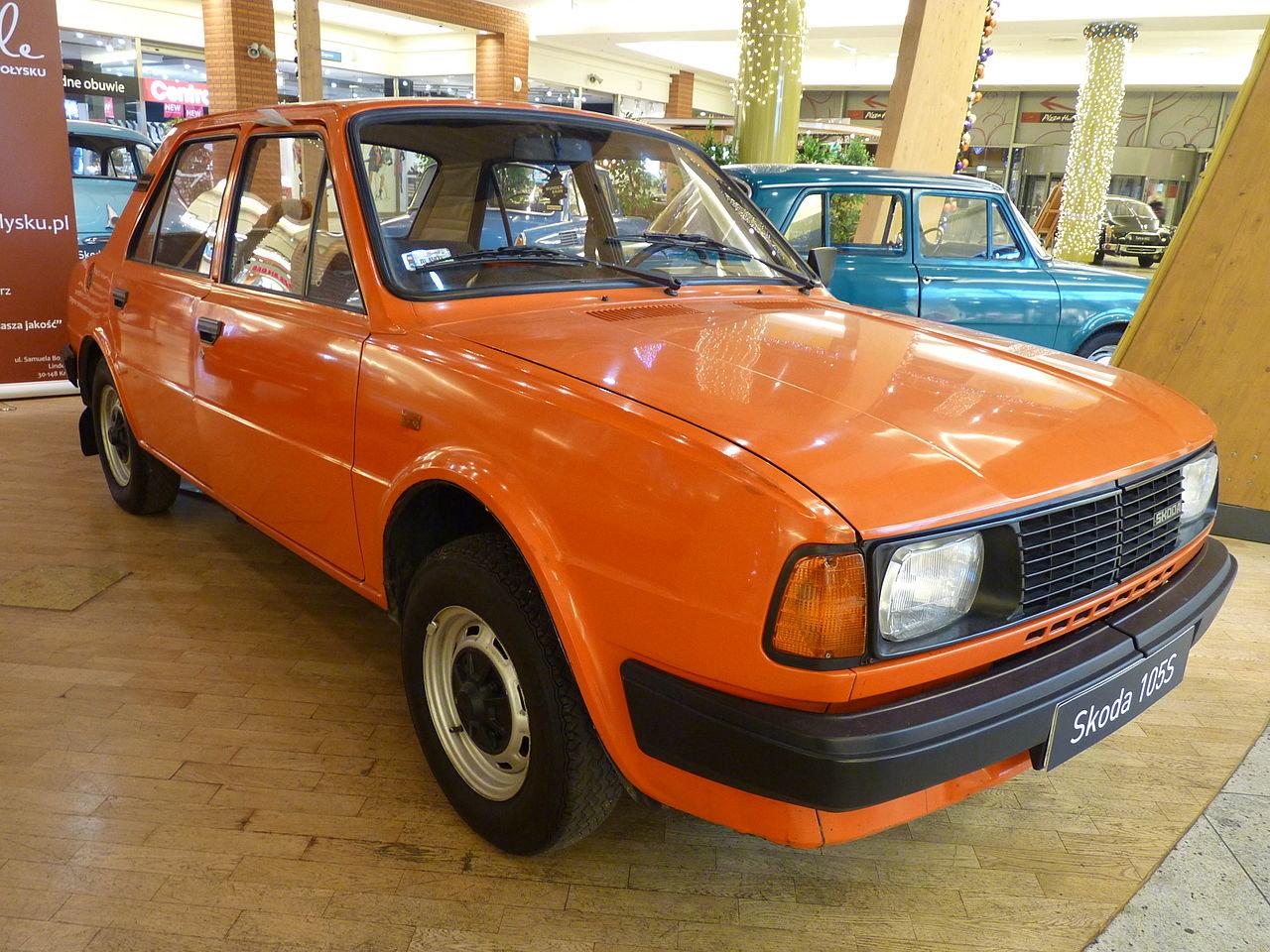 Škoda 105S po modernizaci v roce 1984. Plechové nárazníky nahradil plast (autor: Dawid Skwarczeński)