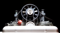 Šestiválcový motor Porsche v měřítku 1:4