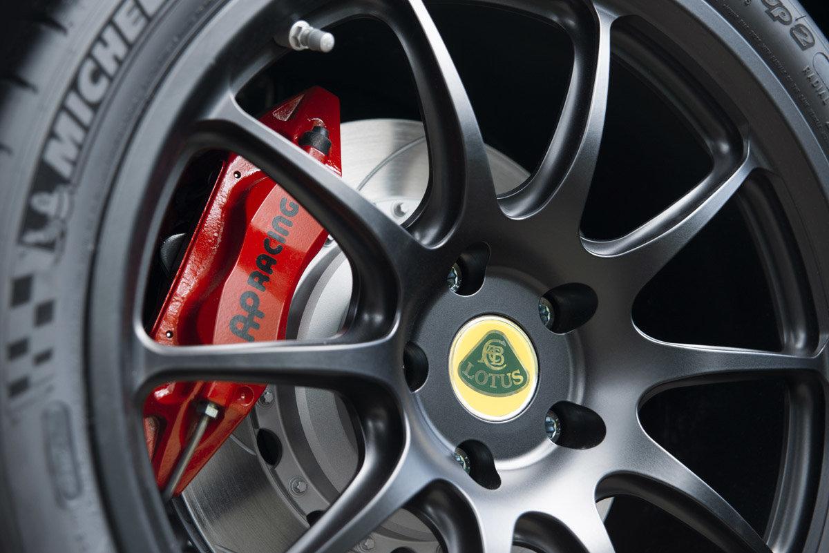 Lotus připravil limitovanou sérii Exige Cup 380. Jeho 380 koní vás nejen pobaví, ale doveze i do práce