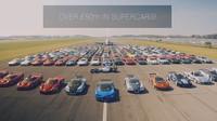 Přes 200 sportovních vozů v hodnotě více než 50 milionů dolarů