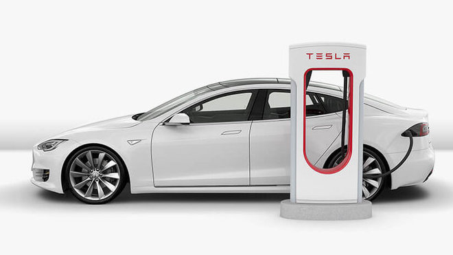 Nabíjení elektromobilu může trvat 12 hodin i 30 minut