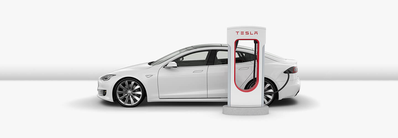 Tesla Model X u nabíjecí stanice