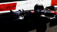 Romain Grosjean při pátečním tréninku v Soči