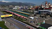 FOTO: Páteční tréninky v Soči, kde tempo udávalo Ferrari - anotační obrázek