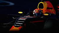 Max Verstappen v závodě v Soči