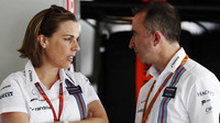 Claire Williamsová a Paddy Lowe v Soči