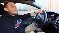 Správné držení volantu je zásadní předpoklad pro plnou kontrolu nad vozem.