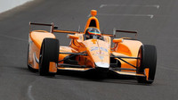 Fernando Alonso během testování v Indianapolis