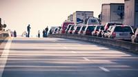 Nedodržování bezpečné vzdálenosti je častým důvodem nehod na dálnicích