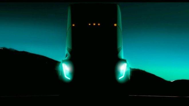 Nový náklaďák automobilky Tesla se má představit již v září