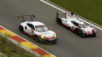 Prototyp Porsche 919 Hybrid posádky Neel Jani, André Lotterer, Nick Tandy (vpravo)