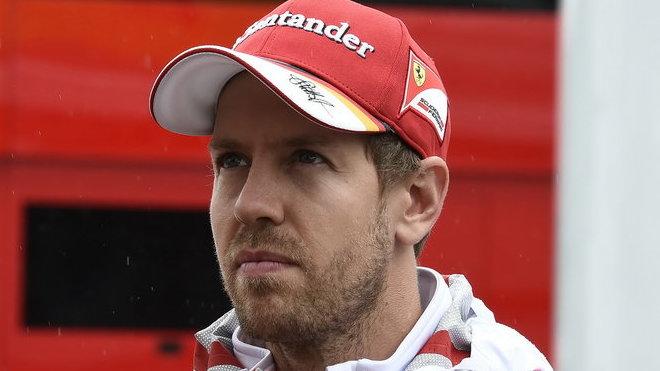 Sebastian Vettel bojoval statečně, ale na Hamiltona nestačil