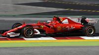 Kimi Räikkönen v Barceloně stejně jako Verstappen daleko nedojel