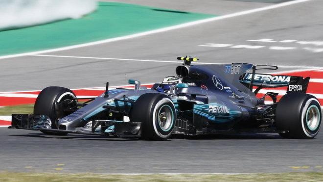 Valtteri Bottas ve Španělsku zaznamenal první poruchu Mercedesu v letošní sezóně