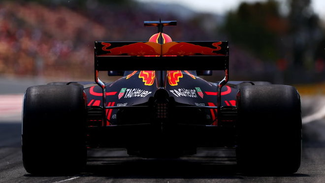 Daniel Ricciardo s Red Bullem RB13 v Barceloně