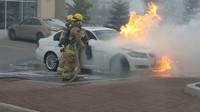 BMW v plamenech