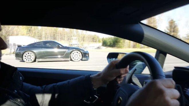 Lamborghini Huracán vs. Nissan GT-R
