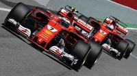 Kimi Räikkönen a Sebastian Vettel měli oba problém s pneumatikami, avšak šlo o jinou příčinu