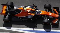 Stoffel Vandoorne si pomalu zvyká na monopost F1