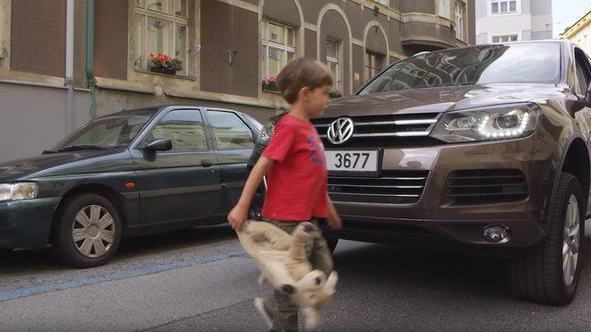 Volkswagen Touareg v novém spotu zaměřenému proti majitelům SUV