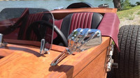Karmann Ghia 1970 s dřevěnou karoserií ve tvaru rakve