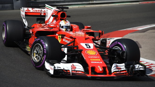 Sebastian Vettel při tréninku v Monaku
