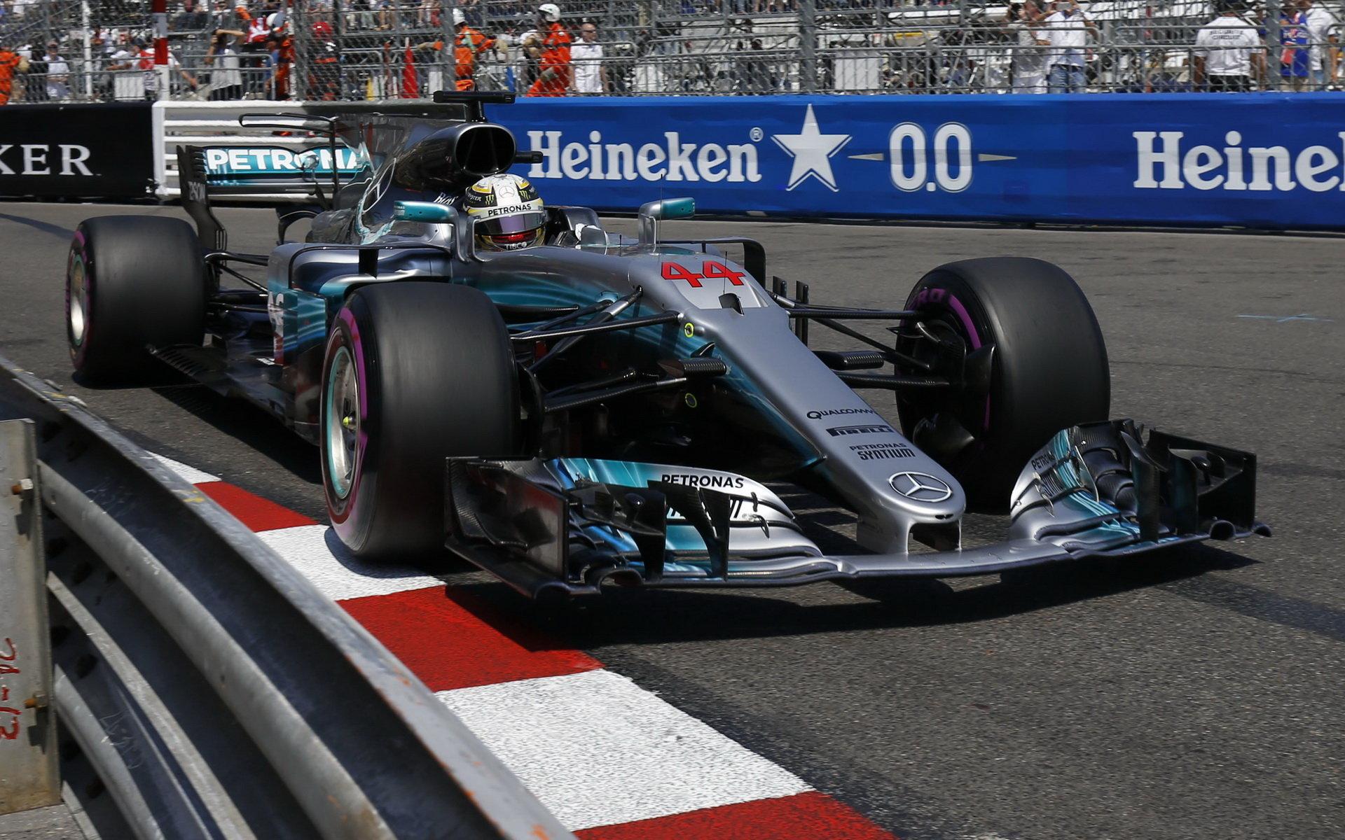 V Monaku byly Mercedesy docela bezzubé