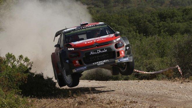 Meeke se zatím dost problematickým vozem C3 WRC ukazuje svoji rychlost