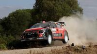 MIkkelsen si s C3 WRC zkusil jak šotolinu, tak asfalt