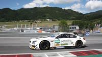 Český tým Šenkýř Motorsport nasadil pro Knolla a Fischera tento BMW M6 – na špičkové umístění ale neměl.