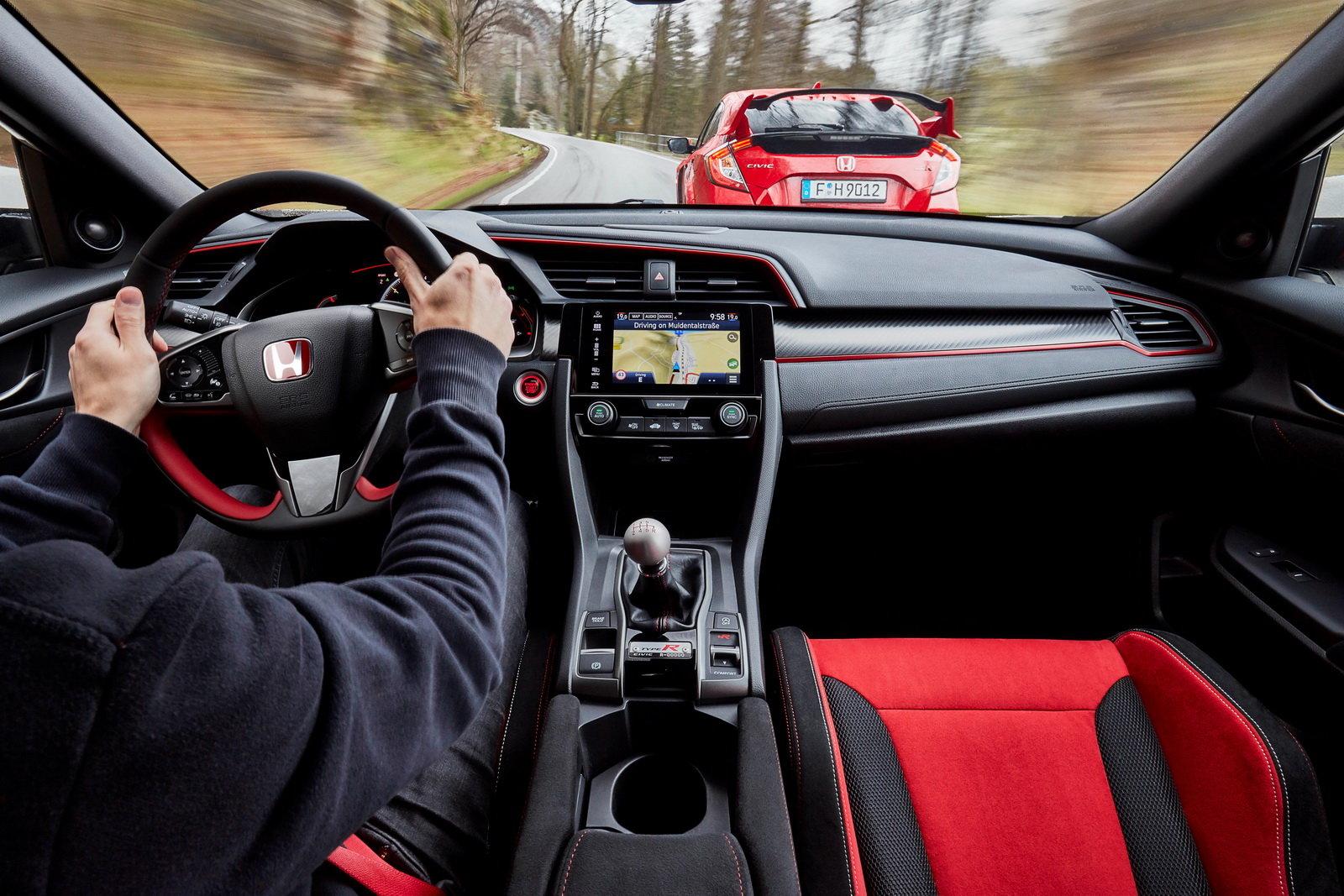 Fotografie č. 10 u článku Honda Civic Type R sbírá další vavříny 77b83573ec