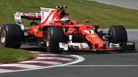 Kimi Räikkönen v závodě v Kanadě