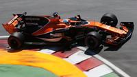 Fernando Alonso v závodě v Kanadě