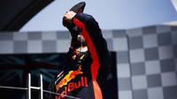 Daniel Ricciardo si užívá svou